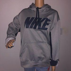 Nike Tops - Nike sweatshirt